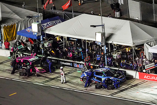#86 Meyer Shank Racing w/Curb-Agajanian Acura NSX GT3, GTD: Mario Farnbacher, Matt McMurry, Shinya Michimi, Jules Gounon, #57 Heinricher Racing w/MSR Curb-Agajanian Acura NSX GT3, GTD: Alvaro Parente, Misha Goikhberg, Trent Hindman, AJ Allmendinger, pit stop