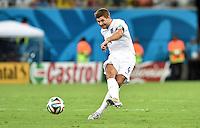 FUSSBALL WM 2014  VORRUNDE    Gruppe D     England - Italien                         14.06.2014 Steven Gerrard (England) am Ball
