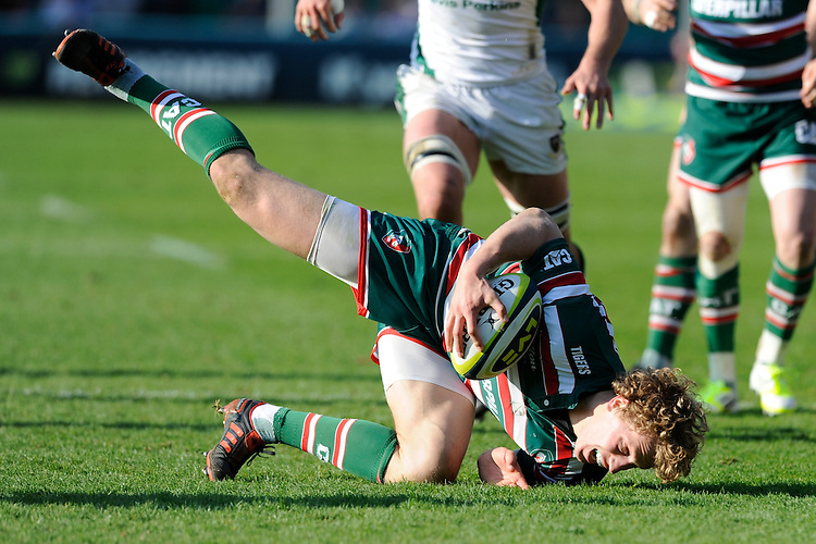 Billy Twelvetrees of Leicester Tigers in action during the LV= Cup Final match between Leicester Tigers and Northampton Saints at Sixways Stadium, Worcester on Sunday 18 March 2012 (Photo by Rob Munro, Fotosports International)