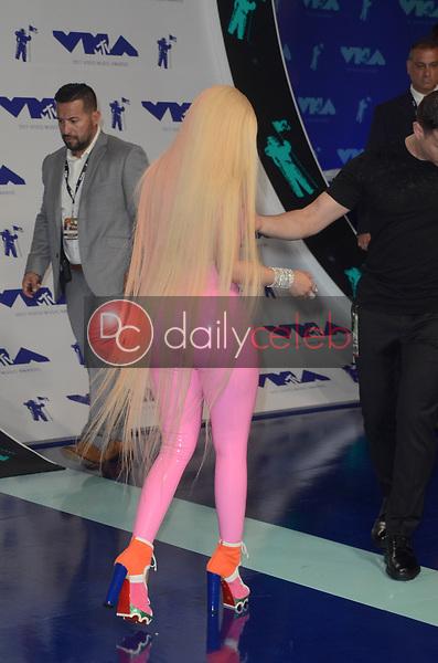 Nicki Minaj<br /> at the 2017 MTV Video Music Awards, The Forum, Inglewood, CA 08-27-17<br /> David Edwards/DailyCeleb.com 818-249-4998