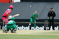3rd November 2019; Western Australia Cricket Association Ground, Perth, Western Australia, Australia; Womens Big Bash League Cricket, Sydney Sixers verus Melbourne Stars; Erin Osborne of the Melbourne Stars bowls during the Sixers innings - Editorial Use