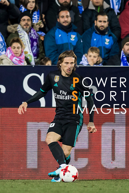 Luka Modric of Real Madrid in action during the Copa del Rey 2017-18 match between CD Leganes and Real Madrid at Estadio Municipal Butarque on 18 January 2018 in Leganes, Spain. Photo by Diego Gonzalez / Power Sport Images