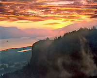 Vista House at Crown Point in Columbia River Gorge Oregon