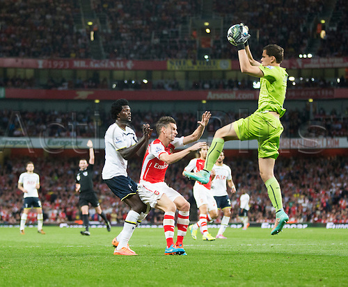 27.09.2014.  London, England. Barclays Premier League. Arsenal versus Tottenham Hotspur. Arsenal's Wojciech Szczęsny comes out to catch the ball.
