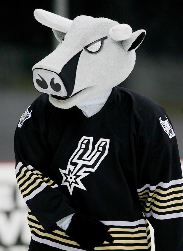 AMERICAN HOCKEY LEAGUE - San Antonio Rampage mascot T-Bone entertains fans at intermission during the game between the Houston Aeros and the San Antonio Rampage, Jan. 11, 2008 at the AT&T Center in San Antonio, Texas. Houston won 3 - 1. (Darren Abate/PressPhoto International)