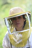 Annette Glokek, in Beaumont in Ardeche, at the apiary set up to produce chestnut flower honey.///Annette Glokek, à Beaumont en Ardèche sur une rucher installé pour produire du miel de châtaignier.