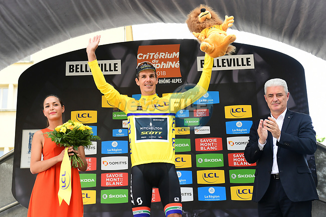 Daryl Impey (RSA) Mitchelton-Scott takes over the race lead at the end of Stage 2 of the 2018 Criterium du Dauphine 2018 running 181km from Montbrison to Belleville, France. 5th June 2018.<br /> Picture: ASO/Alex Broadway | Cyclefile<br /> <br /> <br /> All photos usage must carry mandatory copyright credit (© Cyclefile | ASO/Alex Broadway)