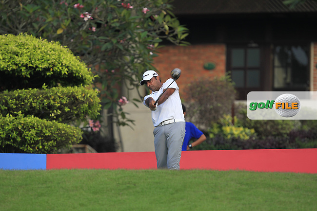 Jyoti Randhawa (IND) in action on the 1st during Round 1 of the Maybank Championship at the Saujana Golf and Country Club in Kuala Lumpur on Thursday 1st February 2018.<br /> Picture:  Thos Caffrey / www.golffile.ie<br /> <br /> All photo usage must carry mandatory copyright credit (© Golffile | Thos Caffrey)