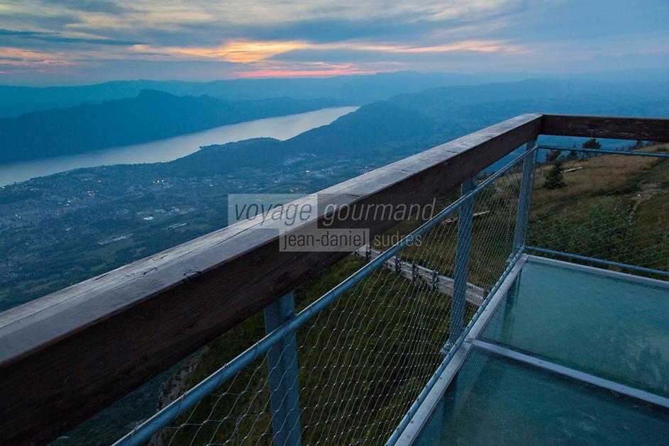 Europe/France/Rhône-Alpes/73/Savoie/Env d' Aix-les-Bains: Belvedère du  Mont Revard, Le belvédère, à 1 537 mètres, offre une vue sur le val du Bourget et le massif du Mont-Blanc Emmanuel Ritz Architecte