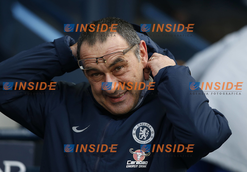 Maurizio Sarri manager of Chelsea sorts out his coat hood during the Premier League match at the Etihad Stadium, Manchester. Picture date: 10th February 2019. Picture credit should read: Andrew Yates/Sportimage/Imago/Insidefoto PUBLICATIONxNOTxINxUK _AY28750.JPG  <br /> ITALY ONLY