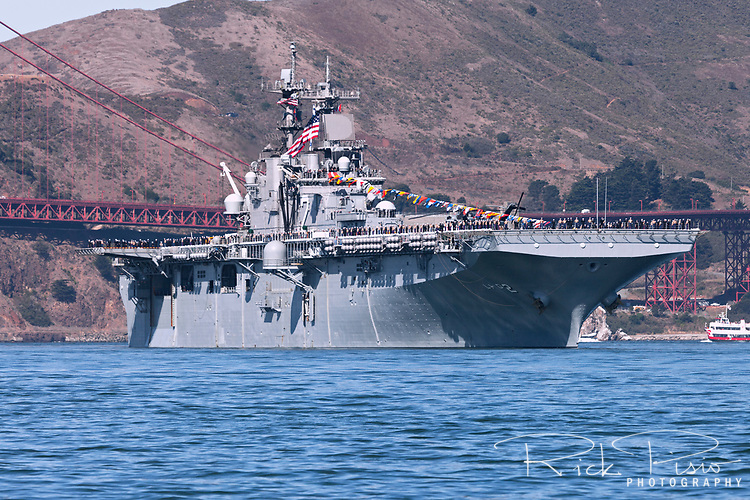 United States Navy Wasp-class amphibious assault ship USS Essex (LHD-2) passes through the Golden Gate.