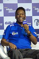 SAO PAULO, SP, 04.11.2013. LANCAMENTO GILETTE - AYRTON SENNA.  o ex jogador de futebol, Pelé, durante o lançamento do novo aparelho de barbear da marca Gilette em homenagem ao piloto Ayrton Senna. (foto: Adriana Spaca/brazil photo press)