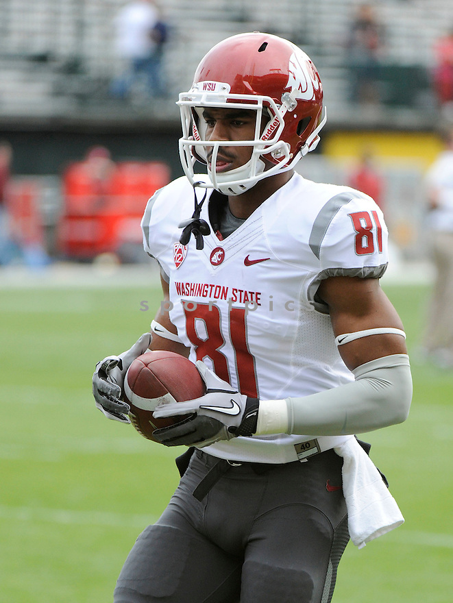 ISIAH BARTON, of the Washington State Cougars, in action during Washington State's game against the California Golden Bears on November 5, 2011 at AT&T Park in San Francisco, CA. Cal beat Washington State 30-7.
