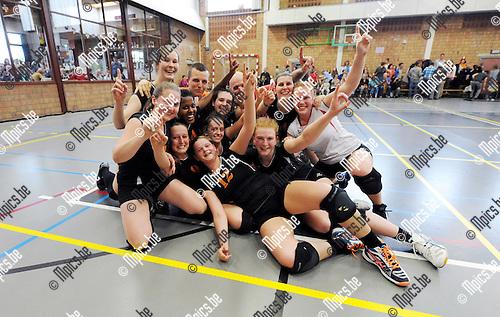 2015-04-25 / Volleybal / seizoen 2014-2015 / De dames van VC Herenthout zijn kampioen in eerste provinciale<br /><br />Foto: Mpics.be