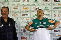 S&Atilde;O PAULO,SP,16 AGOSTO 2012 - APRESENTA&Ccedil;&Atilde;O JOGADOR CORREIA PALMEIRAS <br />  O jogador Correa durante  apresenta&ccedil;&atilde;o  no CT da Barra Funda zona oeste de Sao Paulo, na tarde desta quinta-feira.FOTO ALE VIANNA - BRAZIL FOTO PRESS
