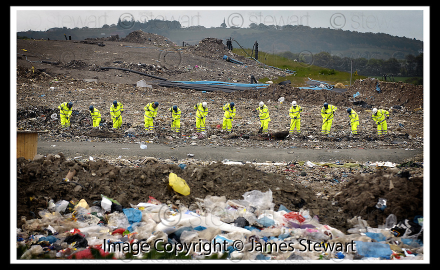 27/05/2008   Copyright Pic: James Stewart.File Name : sct_jspa05_john_mcanish.CENTRAL SCOTLAND POLICE START THEIR SEARCH OF THE AVONDALE LANDFILL SITE NEAR FALKIRK FOR THE BODY OF MISSING STIRLING MAN JOHN MCANISH.........James Stewart Photo Agency 19 Carronlea Drive, Falkirk. FK2 8DN      Vat Reg No. 607 6932 25.Studio      : +44 (0)1324 611191 .Mobile      : +44 (0)7721 416997.E-mail  :  jim@jspa.co.uk.If you require further information then contact Jim Stewart on any of the numbers above........