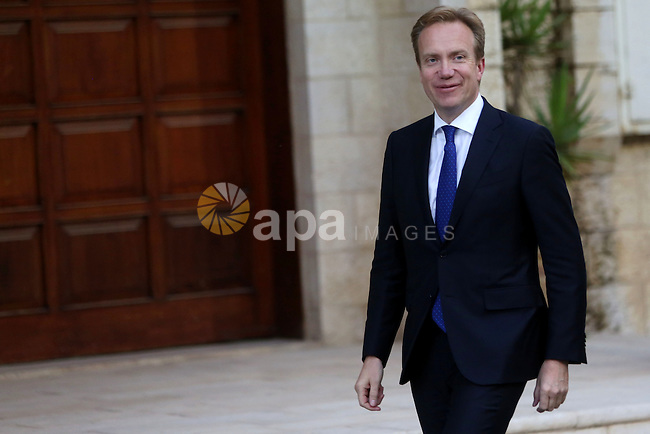 Norway's Foreign Minister Borge Brende arrives for a meeting with Palestinian President Mahmoud Abbas, in the West Bank city of Ramallah, on Sep. 08, 2016. Photo by Shadi Hatem