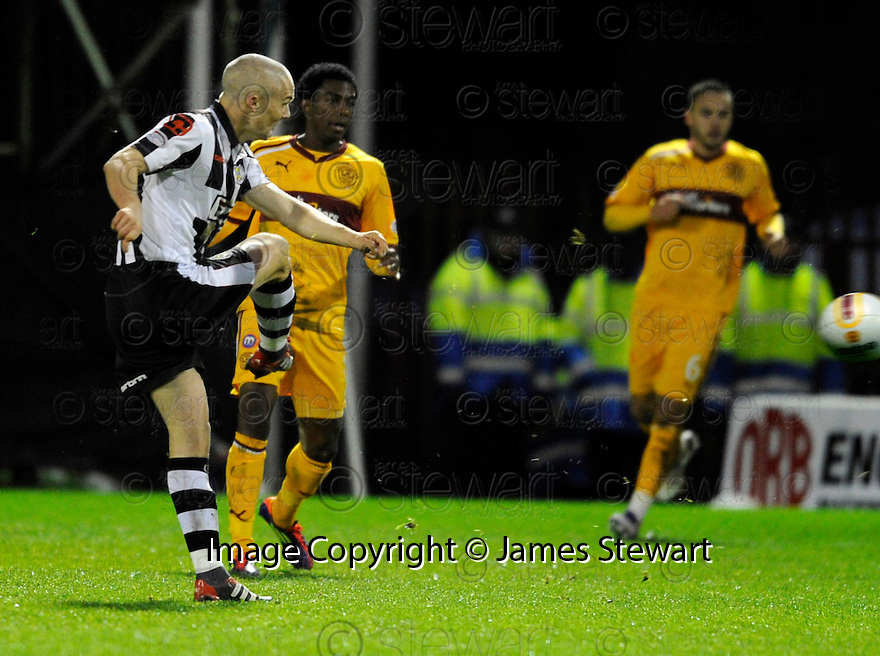 ST MIRREN'S JIM GOODWIN SCORES ST MIRREN'S EQUALISER..17/12/2011 sct_jsp024_motherwell_v_st_mirren     .Copyright  Pic : James Stewart.James Stewart Photography 19 Carronlea Drive, Falkirk. FK2 8DN      Vat Reg No. 607 6932 25.Telephone      : +44 (0)1324 570291 .Mobile              : +44 (0)7721 416997.E-mail  :  jim@jspa.co.uk.If you require further information then contact Jim Stewart on any of the numbers above.........