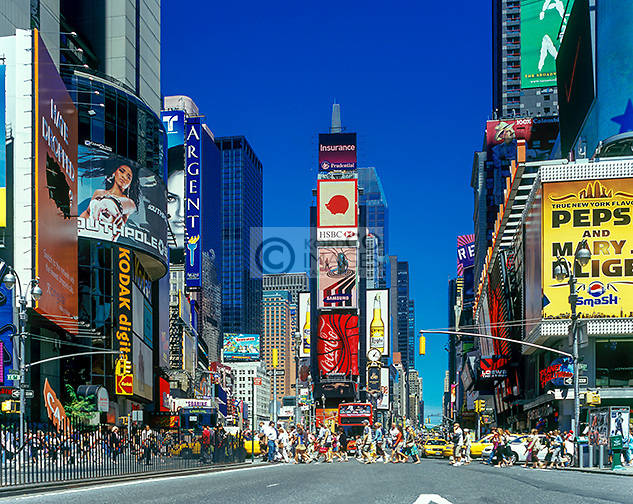 YELLOW TAXI CABS TIMES SQUARE MANHATTAN NEW YORK CITY USA