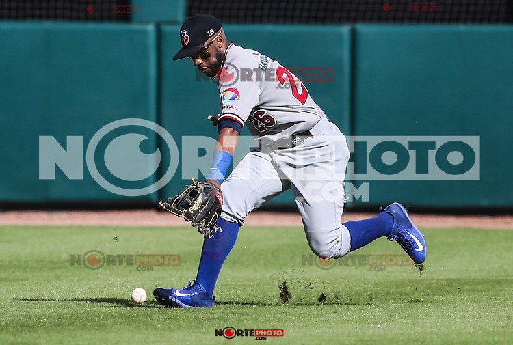 Mel Rojas de Dominicana no logra quedarse con la pelota en el jard&iacute;n central  durante el partido de beisbol de la Serie del Caribe entre Republica Dominicana vs Puerto Rico en el Nuevo Estadio de los Tomateros en Culiacan, Mexico, Sabado 4 Feb 2017. Foto: Luis Gutierrez/NortePhoto.com<br /> <br /> Actions, during the Caribbean Series baseball match between Dominican Republic vs Puerto Rico at the New Tomateros Stadium in Culiacan, Mexico, Saturday 4 Feb 2017. Photo: Luis Gutierrez / NortePhoto.com