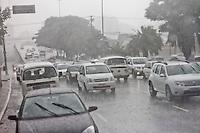SÃO PAULO, 07 DE MARÇO DE 2013 - CLIMA TEMPO SP - Chuva  forte no Viaduto Pacaembu na tarde desta quinta-feira(07), Barra Funda, zona oeste da capital - FOTO: LOLA OLIVEIRA/BRAZIL PHOTO PRESS