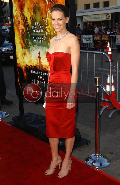 Hilary Swank<br />at the premiere of &quot;The Reaping&quot;. Mann Village Theatre, Westwood, CA. 03-29-07<br />Dave Edwards/DailyCeleb.com 818-249-4998