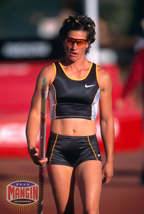 PALO ALTO, CA - Women's pole vault world record holder Stacy Dragila during a track meet at Stanford University in June of 2002 in Palo Alto, CA. Photo by Brad Mangin