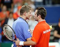 22-9-06,Leiden, Daviscup Netherlands-Tsjech Republic, Raemon Sluiter  congratulates Novak