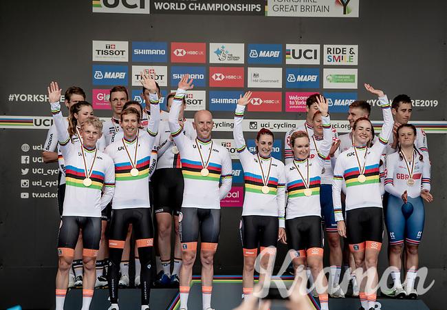 The winning Dutch Team: Jos Van Emden (NED/Jumbo-Visma), Koen Bouwman (NED/Jumbo-Visma), Bauke Mollema  (NED/Trek-Segafredo), Lucinda Brand (NED/Sunweb), Riejanne Markus (NED) & Amy Pieters (NED)<br /> <br /> Team Time Trial Mixed  Relay<br /> <br /> 2019 Road World Championships Yorkshire (GBR)<br /> <br /> ©kramon