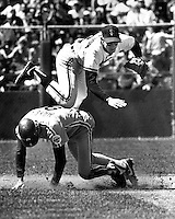 San Francisco Giants infielder Robbie Thompson completes double play with Philly's Von Hayes out at 2nd. ((1986 photo/Ron Riesterer)