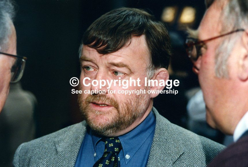 David Hinchliffe, MP, Labour Party, UK, 19961024DH..Copyright Image from Victor Patterson, 54 Dorchester Park, Belfast, UK, BT9 6RJ..Tel: +44 28 9066 1296.Mob: +44 7802 353836.Voicemail +44 20 8816 7153.Skype: victorpattersonbelfast.Email: victorpatterson@mac.com.Email: victorpatterson@ireland.com (back-up)..IMPORTANT: If you wish to use this image or any other of my images please go to www.victorpatterson.com and click on the Terms & Conditions. Then contact me by email or phone with the reference number(s) of the image(s) concerned.