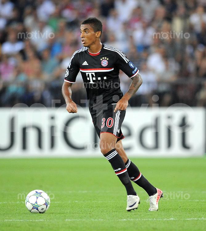 FUSSBALL   CHAMPIONS LEAGUE   SAISON 2011/2012  Qualifikation  23.08.2011 FC Zuerich - FC Bayern Muenchen Luiz Gustavo (FC Bayern Muenchen)
