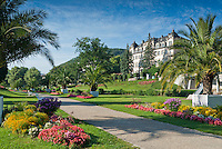 Germany, Bavaria, Lower Franconia, Bad Kissingen: walking path aside river Franconian Saale | Deutschland, Bayern, Unterfranken, Bad Kissingen: Spazierwege entlang der Fraenkischen Saale