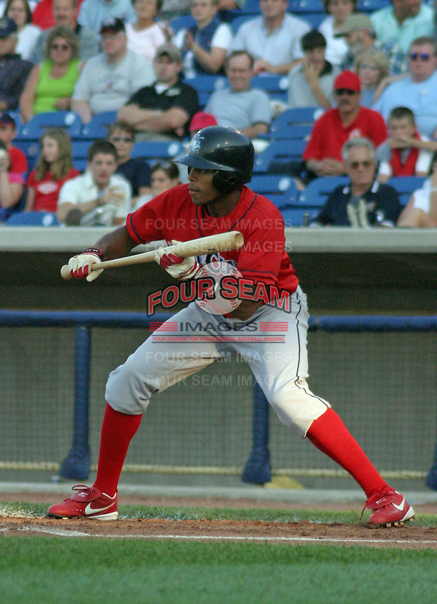 June 28, 2003:  Chris Roberson of the Lakewood Blueclaws, Class-A affiliate of the Philadelphia Phillies, during a South Atlantic League game at Classic Park in Eastlake, OH.  Photo by:  Mike Janes/Four Seam Images