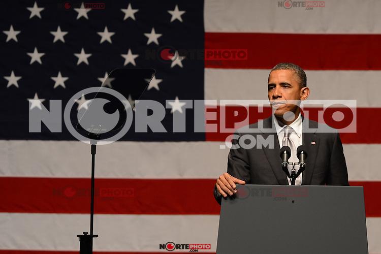 MIAMI BEACH, FL - JUNE 26: US President Barack Obama speaks during a fundraiser hosted by Marc Anthony at the Fillmore Miami Beach on June 16, 2012 in Miami Beach, Florida. ©mpi04/MediaPunch Inc.. /**NORTEPHOTO:COM**<br /> **SOLO*VENTA*EN*MEXICO** **CREDITO*OBLIGATORIO**