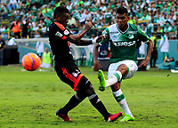 PALMIRA -COLOMBIA-11-06-2017. Jeison Angulo (Der) del Deportivo Cali disputa el balón con Brayan Angulo (Izq) de America de Cali durante partido por la semifinal de vuelta de la Liga Águila I 2017 jugado en el estadio Palmaseca de Cali. / Jeison Angulo (R) player of Deportivo Cali fights for the ball with Brayan Angulo (L) player of America de Cali during match for the second leg match semifinal of the Aguila League I 2017 played at Palmaseca stadium in Cali.  Photo: VizzorImage/ Nelson Rios /Cont
