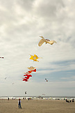 USA, Washington State, Long Beach Peninsula, kite flying at the International Kite Festival