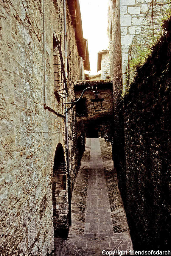 Italy: Gubbio--Narrow street from Ducal Palace. Photo '83.