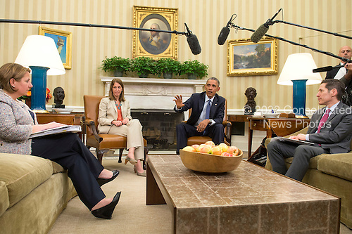 United States President Barack Obama (2nd-R) addresses the media following a meeting with his team coordinating the government's Ebola response, in the Oval Office at the White House in Washington, D.C. on October 16, 2014. Obama met with Sylvia Burwell , Secretary of Health and Human Services, Denis McDonough, White House Chief of Staff,  Susan Rice, National Security Advisor, Lisa Monaco, Assistant to the President for Homeland Security and Counterterrorism and Dr. Thomas Frieden, Director of the Centers for Disease Control and Prevention. <br /> Credit: Kevin Dietsch / Pool via CNP
