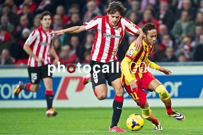 BILBAO.ESPAÑA.FÚTBOL.<br /> Partido de La Liga BBVA entre el Ath.Club y el Barça , a 01/12/2013.<br /> En la imagen :<br /> 11Neymar (FC Barcelona)<br /> 8Ander Iturraspe (Athletic Bilbao)