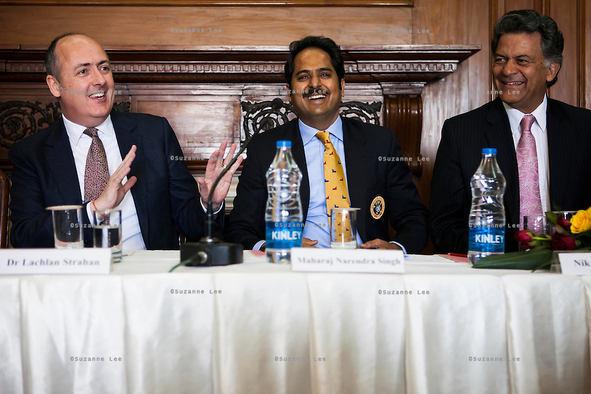 (L-R) Dr. Lachlan Strahan (Australian Deputy High Commissioner to India), Maharaj Narendra Singh (Maharaj of Jaipur), and Nik Senapati (Rio Tinto Managing Director) share a laugh during a press conference on Oz Fest in Raj Mahal Palace hotel, Jaipur, India on 10th January 2013. Photo by Suzanne Lee/DFAT
