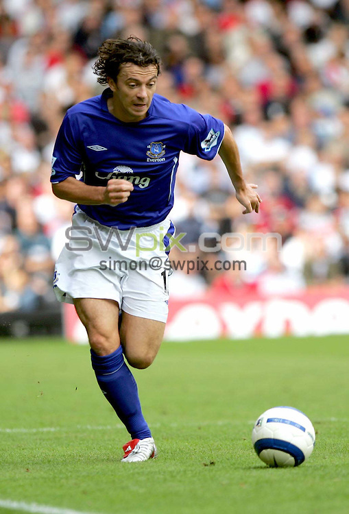 Pix: Dave Winter/SWpix.com - Football. Fulham v Everton. 04/10/2005...Picture Copyright >> Simon Wilkinson >> 07811267706..Everton's Simon Davies