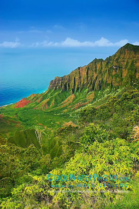 Kalalau Valley, the largest valley on Na Pali coast, Kauai, Hawaii, Pacific Ocean