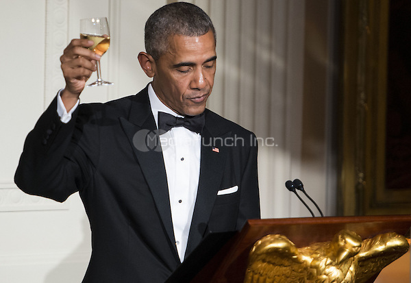 United States President Obama proposes a toast in honor of Prime Minister Lee Hsien Loong at the State Dinner in the East Room of the White House in Washington, DC on Tuesday, August 2, 2016. <br /> Credit: Leigh Vogel / Pool via CNP/MediaPunch