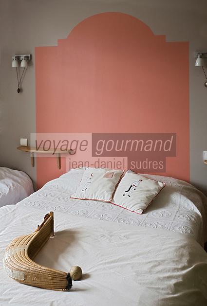 Europe/France/Aquitaine/64/Pyrénées-Atlantiques/Pays Basque/ Ciboure: Détail  de la décoration des chambres d'un Hôtel