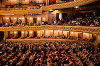 RIO DE JANEIRO, RJ, 27 AGOSTO 2012-CERIMONIA NACIONAL OBMEP 2011-A Presidenta Dilma Rousseff participa da Cerimonia de Premiacao da Olimpiada Brasileira de Matematica das Escolas Publicas, no Teatro Municipal no centro do Rio de Janeiro.(FOTOMARCELO FONSECA BRAZIL PHOTO PRESS).