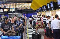 SAO PAULO, 22 DE FEVEREIRO DE 2013. - MOVIMENTACAO AEROPORTO CONGONHAS - Movimentacao de passageiros no Aeroporto de Congonhas, regiao sul da capital, na manha desta sexta feira, 22. (FOTO: ALEXANDRE MOREIRA / BRAZIL PHOTO PRESS)