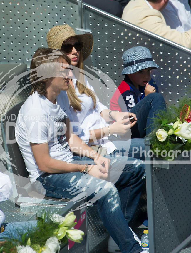 Real Madrid´s football player Lucca Modric and his wife Vanja Bosnic with son during the Rafael Nadal vs Grigor Dimitrov tennis match