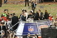 Head Coach Sean Payton (Saints) feiert<br /> Super Bowl XLIV: Indianapolis Colts vs. New Orleans Saints *** Local Caption *** Foto ist honorarpflichtig! zzgl. gesetzl. MwSt. Auf Anfrage in hoeherer Qualitaet/Aufloesung. Belegexemplar an: Marc Schueler, Alte Weinstrasse 1, 61352 Bad Homburg, Tel. +49 (0) 151 11 65 49 88, www.gameday-mediaservices.de. Email: marc.schueler@gameday-mediaservices.de, Bankverbindung: Volksbank Bergstrasse, Kto.: 52137306, BLZ: 50890000