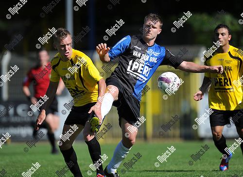 2012-08-12 / Voetbal / seizoen 2012-2013 / Rupel-Boom - Ganshoren / Charles Druet met Cedric de Troetsel (r. R-B)..Foto: Mpics.be